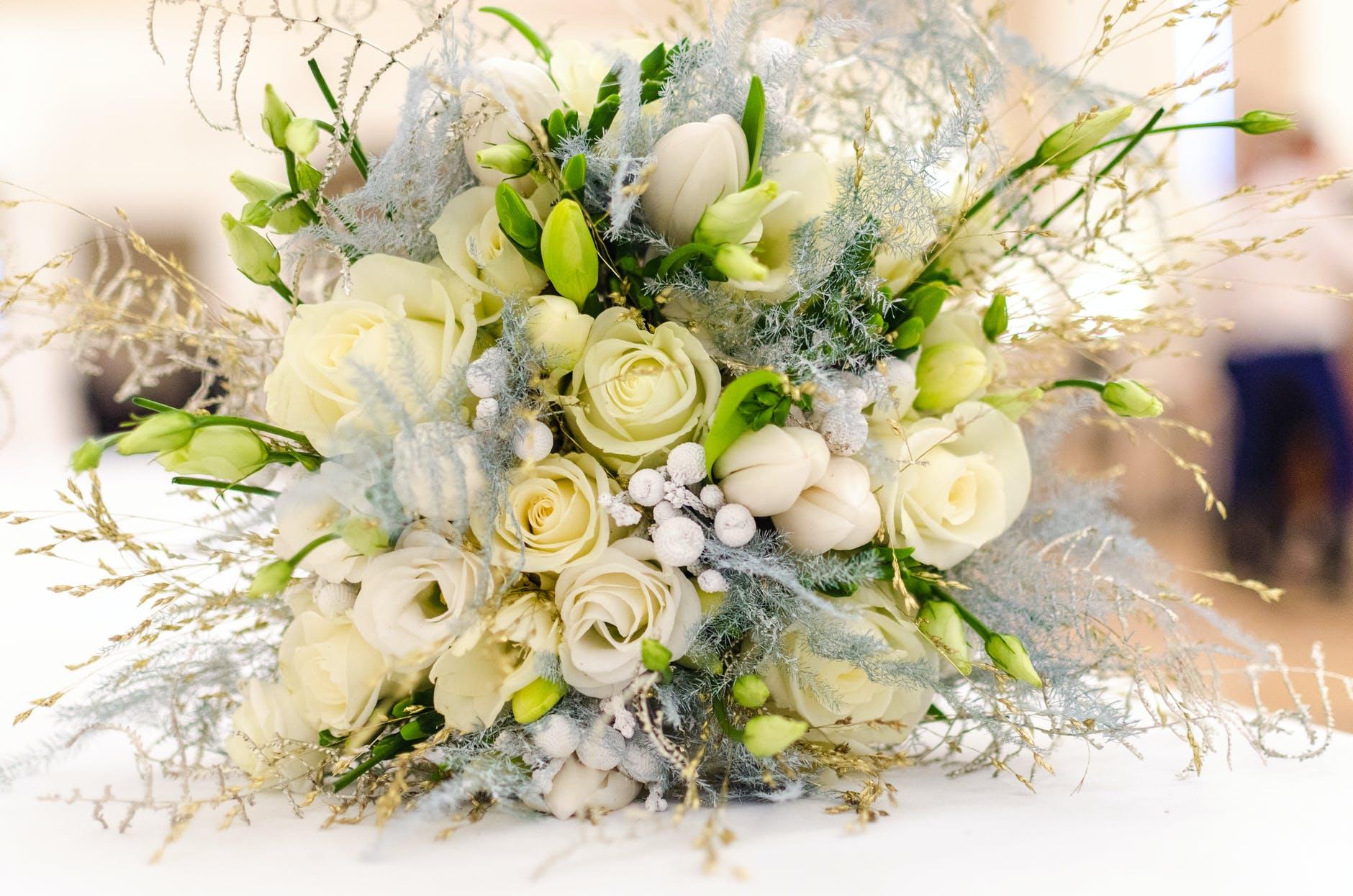 Bridal shower host etiquette
